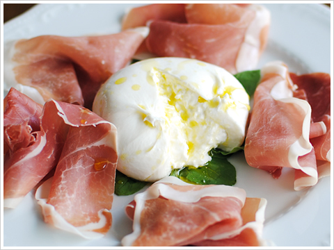 burrata e crudo.jpg